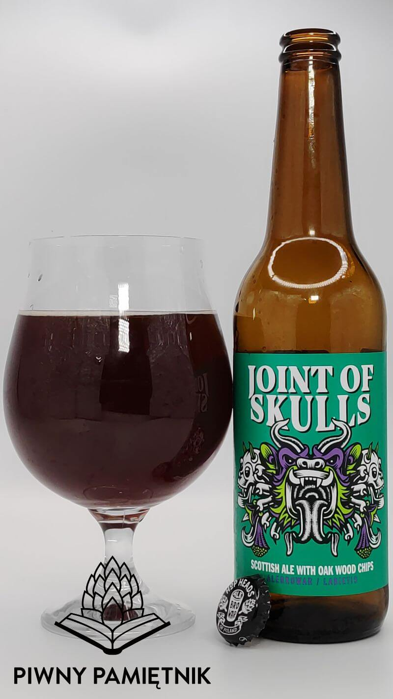 Joint Of Skulls Scottish Ale with Oak Wood Chips z kooperacji Browaru AleBrowar i Browaru Labietes (Ryga – Łotwa)